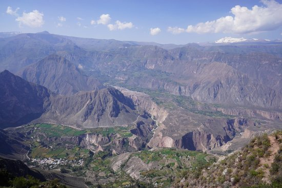 Cotahuasi River Canyon : camino a huarhua
