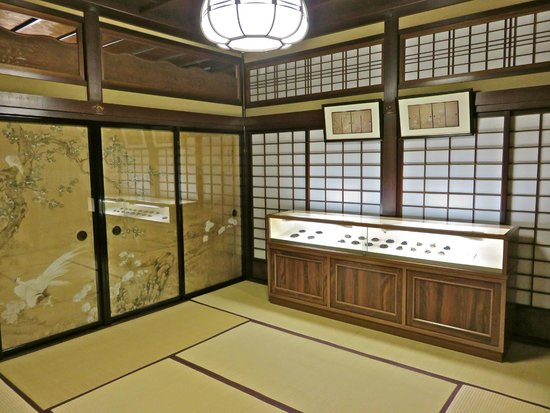 Nomura Family Samurai House : Decorated doors and paper doors