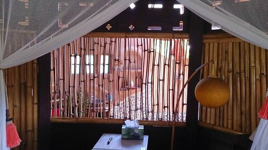 Unique Bamboo Window Design 11
