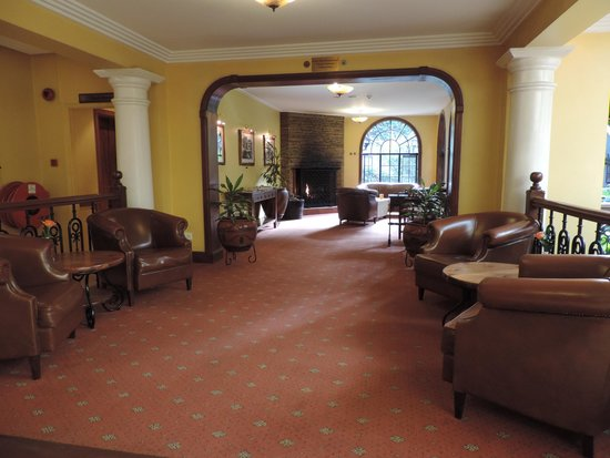 Fairview Hotel: lounge