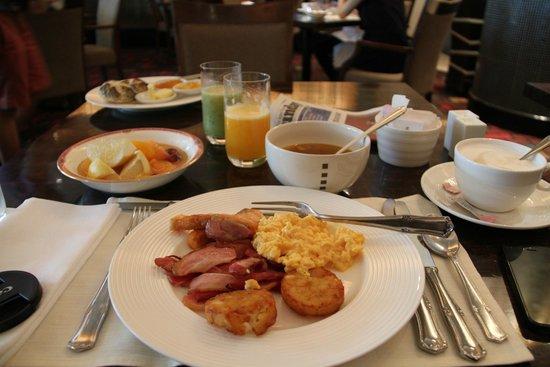 The Westin Tokyo: Comprehensive brakfast selection