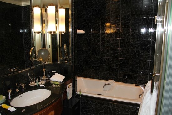The Westin Tokyo: Bathroom