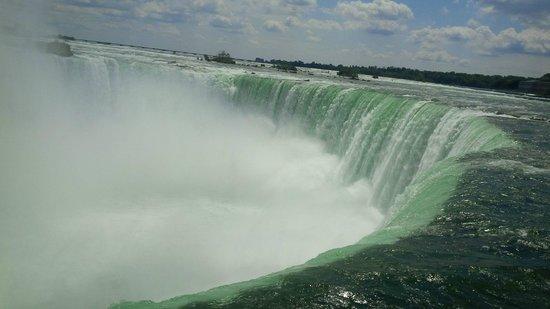 Embassy Suites by Hilton Niagara Falls Fallsview Hotel : Niagara Falls Canadian side