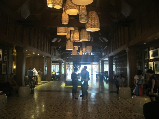Outrigger Laguna Phuket Beach Resort : Lobby