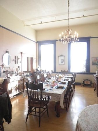 Noftsger Hill Inn : We enjoyed a phenomenal breakfast