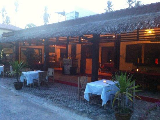 La Cuisine: La terrasse couverte