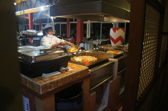 Decameron San Luis: Comedor Buffet