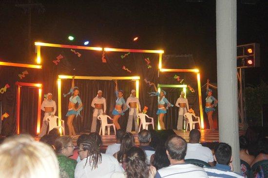 Decameron San Luis: Show nocturno
