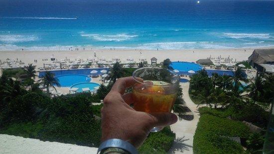 Live Aqua Beach Resort Cancun: Club Lounge View