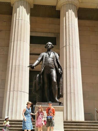 Real New York Tours: Federal Building
