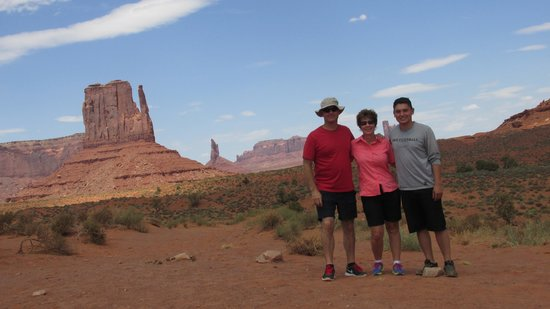 Monument Valley Safari: Joe, Sky and Marla