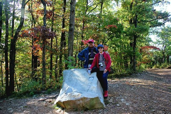 Hawksbill Crag: The stone marker at the head trail.