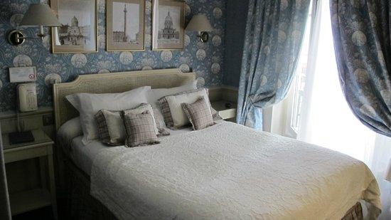 Hotel du Champ de Mars: room