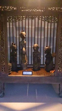 Dalem Agung Kencono: artifacts