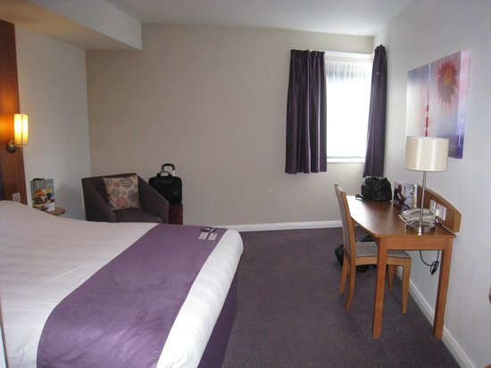 Premier Inn London Richmond Hotel: Very comfortable room for the price