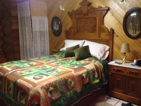 Cedar Mountain Farm Bed and Breakfast: Best sleep ever!