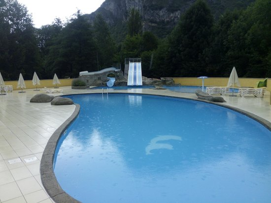 Alliat, Francia: Piscina 2