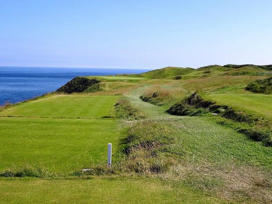 Old Head Golf Links: Don't miss left on this par 3!