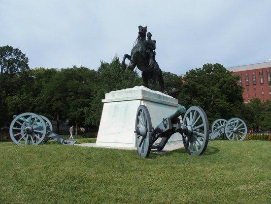 Lafayette Square : Wonderful, historic, statues