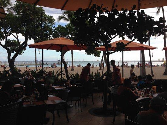 Hilton Grand Vacations at Hilton Hawaiian Village: View from Tropics Bar at Hilton Hawaiian