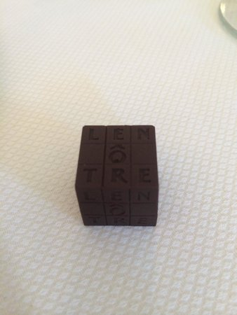 Le Pre Catelan: 佐咖啡的巧克力