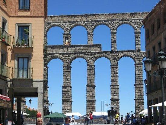 Acueducto de Segovia: Subida hacia acueducto