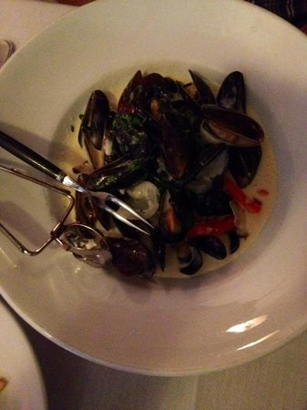 La Sen Bistro: Mussels  - with frites of course !