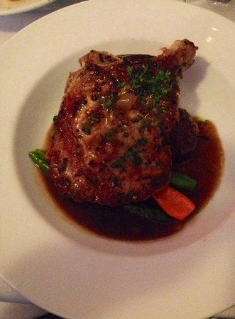 La Sen Bistro: Pork Chop - with wonderful sauce