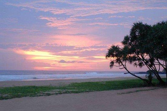 Heritance Ahungalla: Beautiful Panoram of the Sea at Sunset