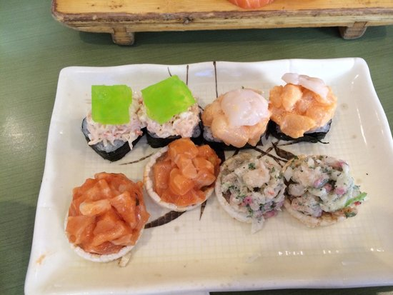 Kingsway Sushi : Sushi on rice crackers