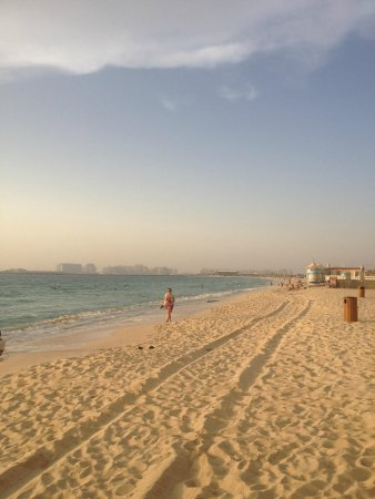 Hilton Dubai Jumeirah: Private beach area