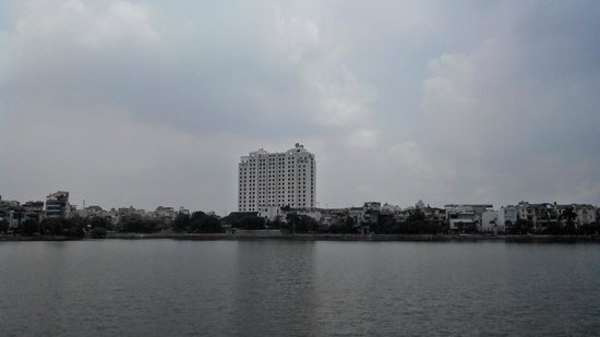 Sheraton Hanoi Hotel: с другого берега