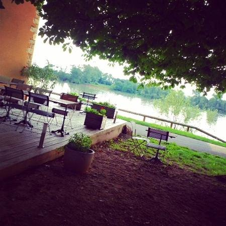 Jean de Saone : perfect setting for dinner