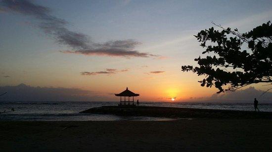 Kayumanis Nusa Dua Private Villa & Spa: Sunrise breakfast