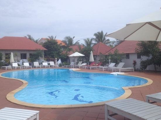 Paris Beach Village Phu Quoc: Great pool