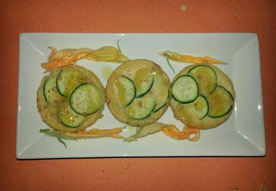 Agriturismo Coroncina Vegetariano Vegano: frittatine di ceci, con zucchine e arancia