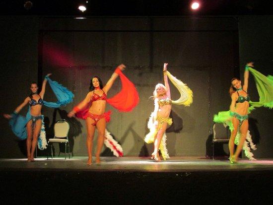 LTI Akassia Beach: Russian show