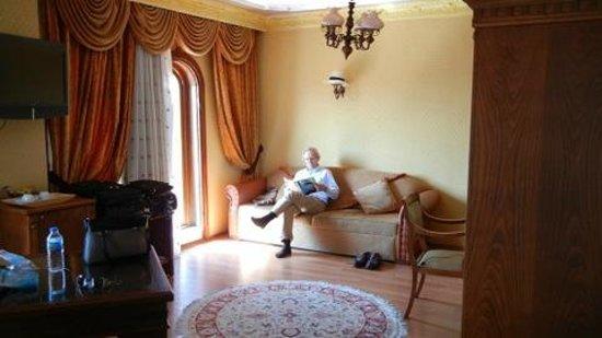 Seven Hills Hotel: room 303