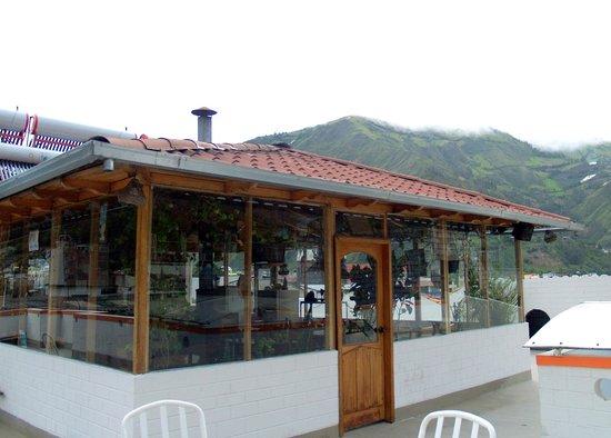 Hostal Chimenea : Breakfast room with surrounding open balcony