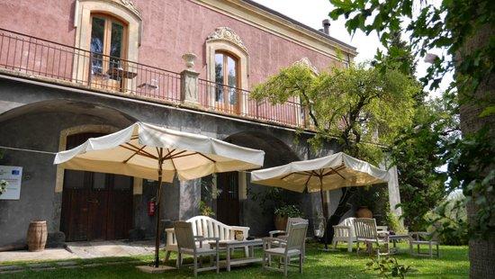 Monaci delle Terre Nere: We were the middle in the bottom