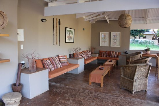 Madi a Thavha Mountain Lodge: Outdoor seating area