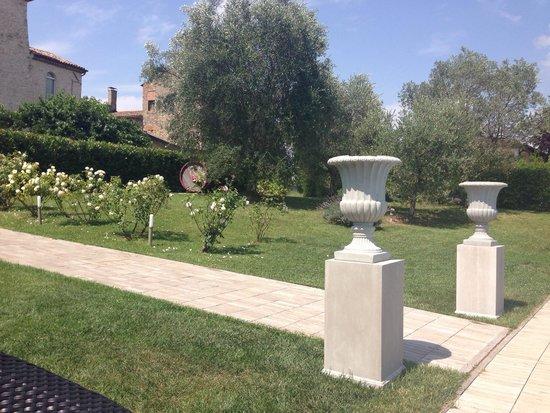 Castello di Montignano Relais & Spa : Piscina