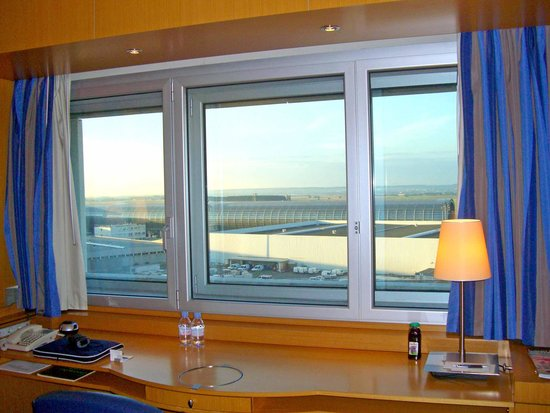 Sheraton Paris Airport Hotel & Conference Centre : Ex club room 4