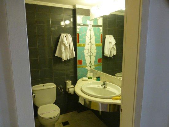 Nepheli Hotel : санузел