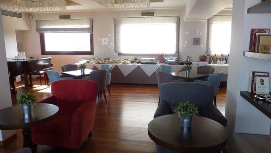 Nepheli Hotel : ресторан