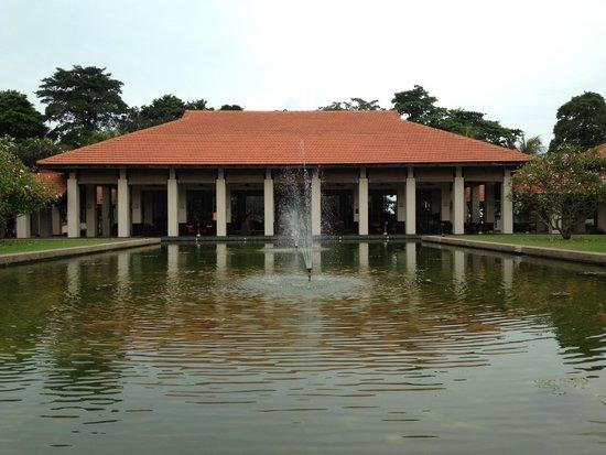 Sofitel Singapore Sentosa Resort & Spa: Exterior