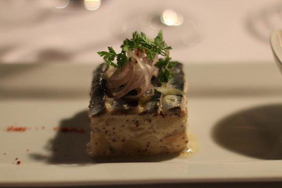 Restaurant L'Essentiel : Compressé de sardines marinées et pommes de terre Roosvalt