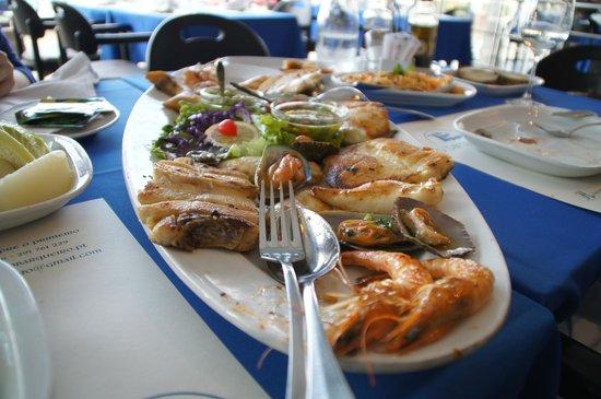 Marisqueira O Barqueiro: W jednym daniu wiele ryb i owoców morza