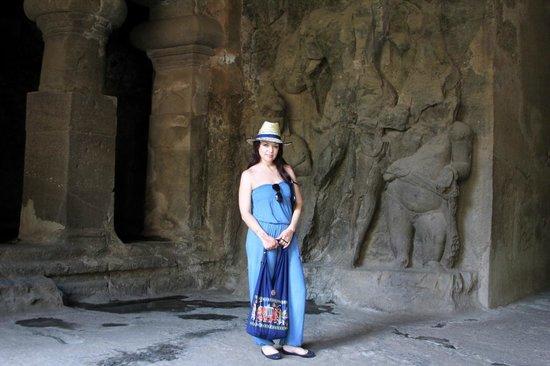 Elephanta Caves: на входе в пещеру