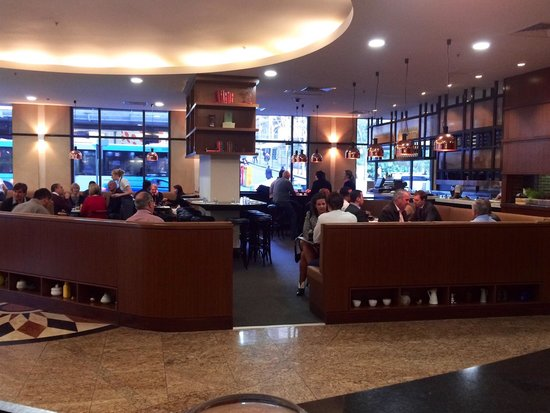 Mantra 2 Bond Street: restaurant
